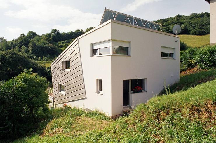 Hangseite von Nord_Westen:  Häuser von architope