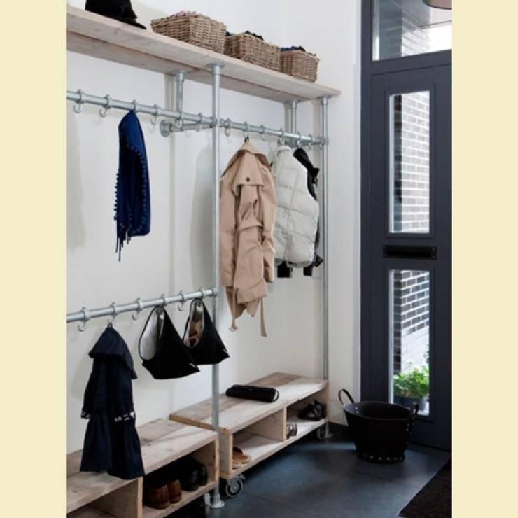 Home Loft Studio: endüstriyel tarz tarz Koridor, Hol & Merdivenler