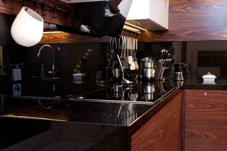 Nero Assoluto - GRANMAR Sp. z o. o. : styl , w kategorii Kuchnia zaprojektowany przez GRANMAR Borowa Góra - granit, marmur, konglomerat kwarcowy