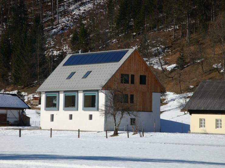 Rumah by Architekturbüro Reinberg ZT GmbH