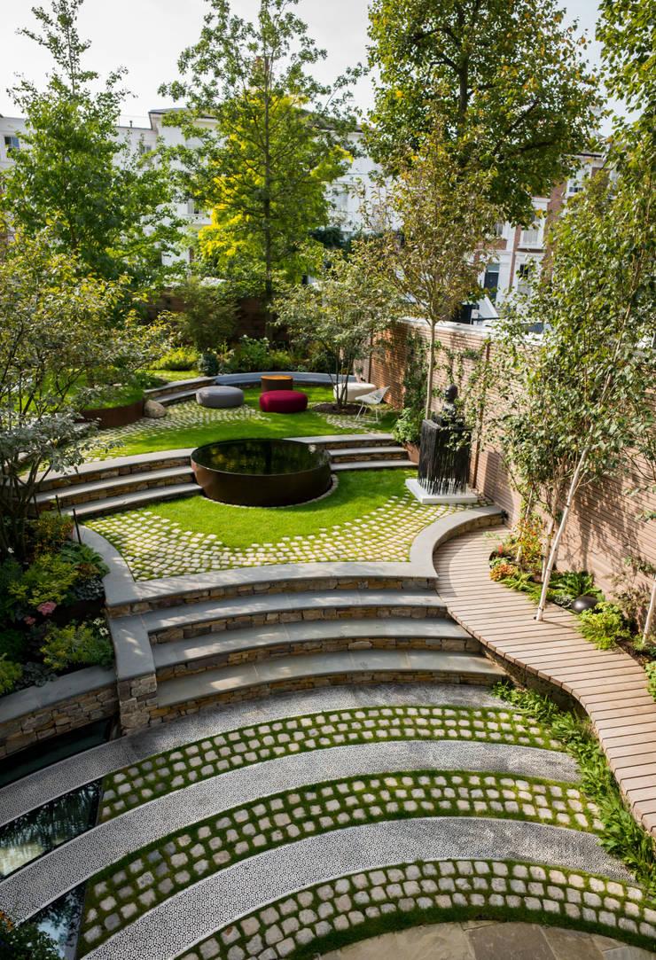 Bartholomew Landscaping design and build London Garden :  Garden by Bartholomew Landscaping, Modern