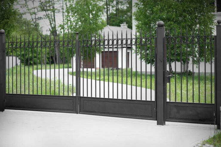 Brama kuta - wzór G271 ALMET.com.pl: styl , w kategorii Ogród zaprojektowany przez ALMET Kowalstwo Artystyczne