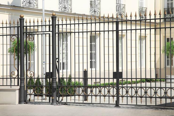 Brama kuta - wzór G268 ALMET.com.pl: styl , w kategorii Ogród zaprojektowany przez ALMET Kowalstwo Artystyczne