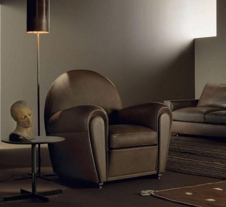 Vanity Fair - Poltrona - Poltrona Frau: Soggiorno in stile  di MOHD - Mollura Home and Design