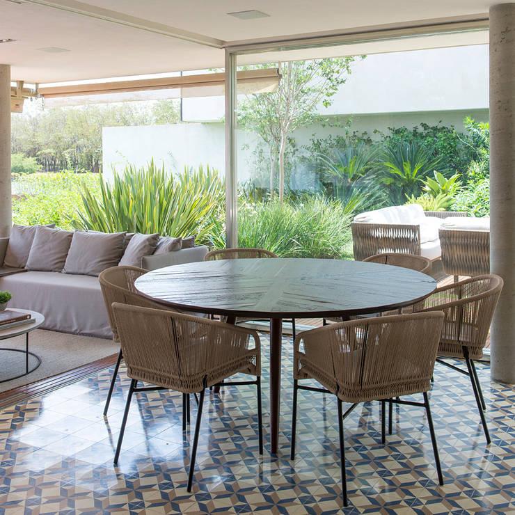 Casa Boa Vista : Salas de jantar  por Triplex Arquitetura
