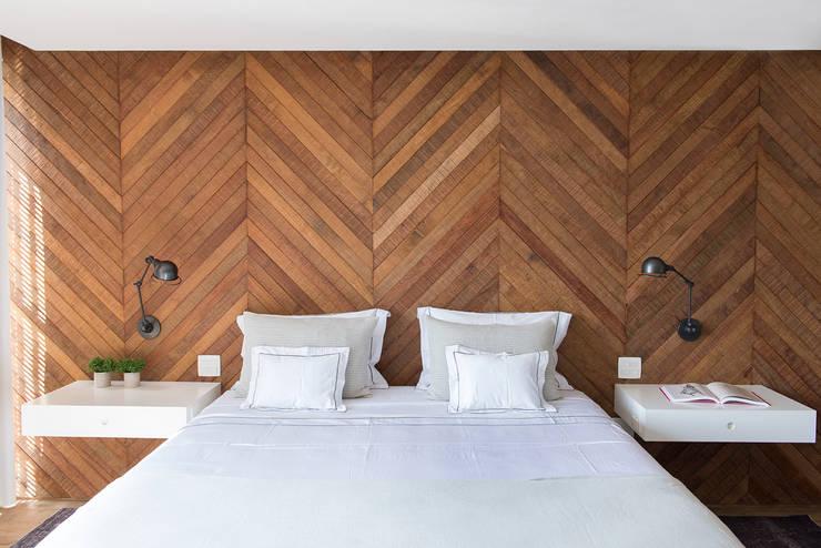 Recámaras de estilo  por Triplex Arquitetura