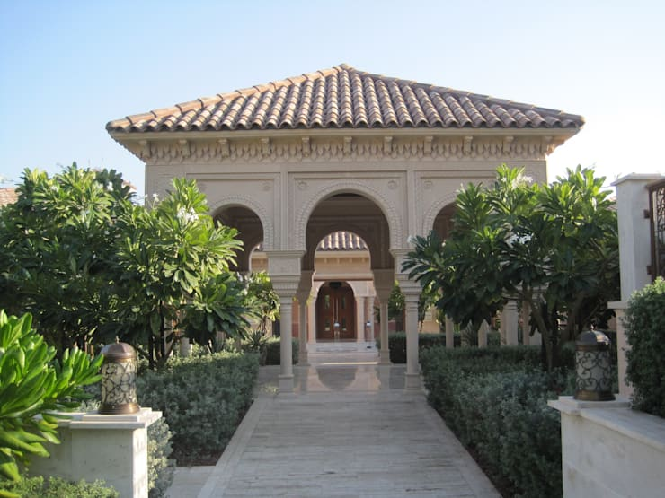 Residential (Royal) Palace at Qatar Doha Country style house by TOPOS+PARTNERS Country