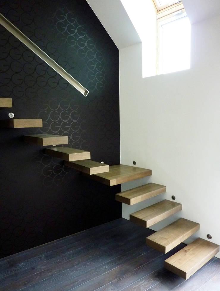 Escalier design suspendu en bois von La Stylique | homify
