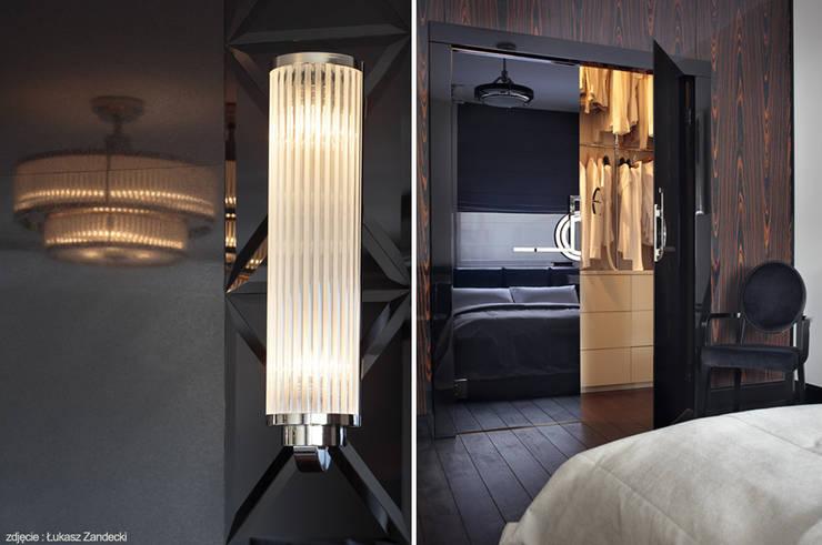 Apartament na Mokotowie inspirowany Art Deco: styl , w kategorii Sypialnia zaprojektowany przez Pracownia Projektowa Pe2