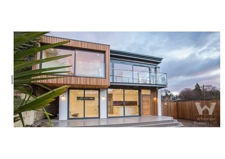 บ้านและที่อยู่อาศัย by Whitshaw Builders LTD