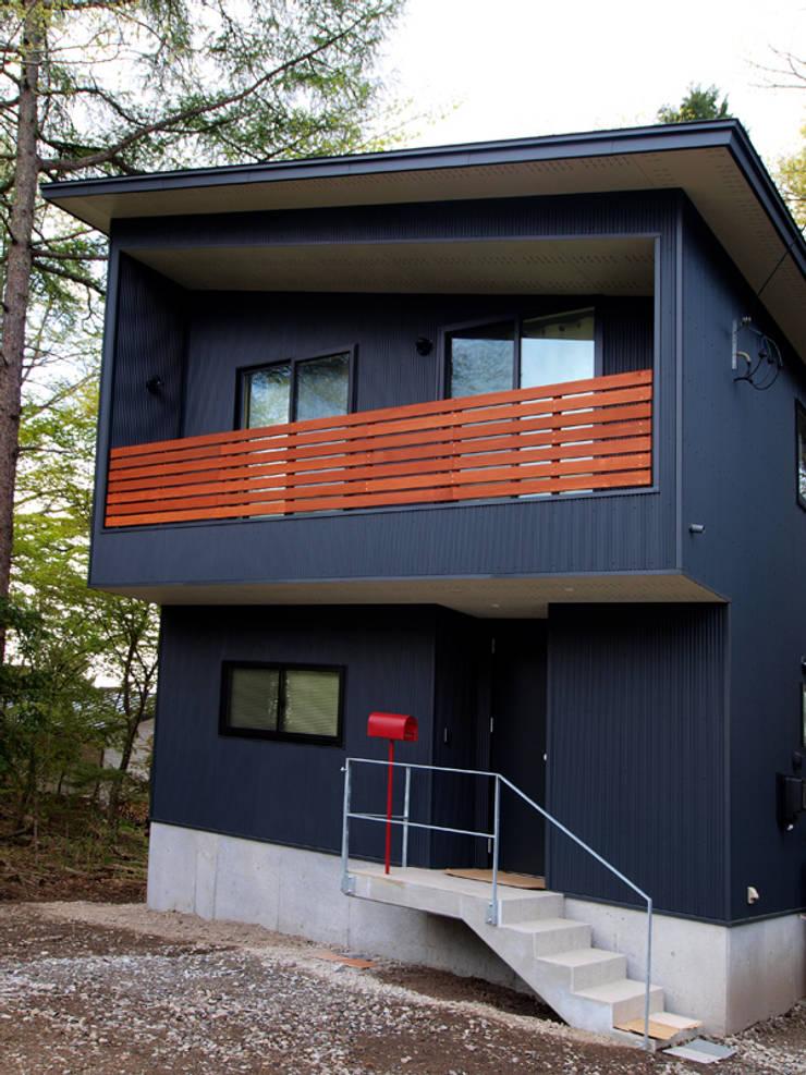 北面の外観: 大庭建築設計事務所が手掛けた家です。