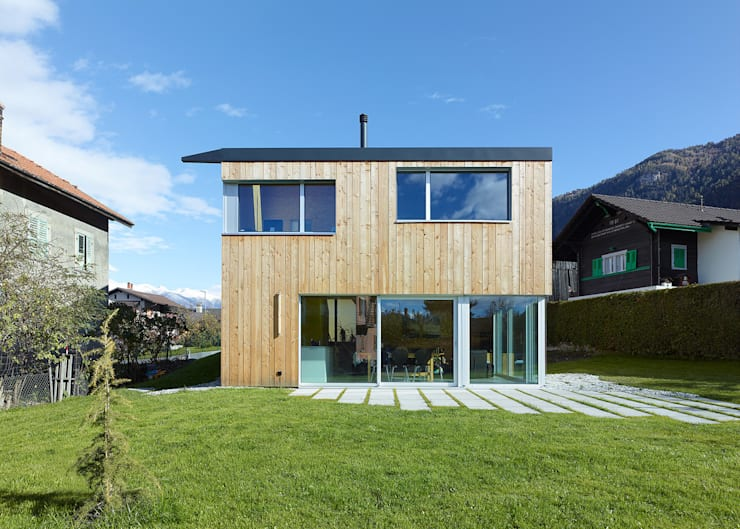 MMR _ maison à réchy: Maisons de style  par évéquoz ferreira architectes