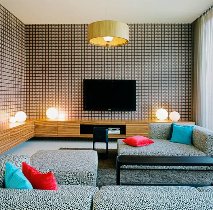 APARTMENT Z: moderne Wohnzimmer von architektur denis kosutic