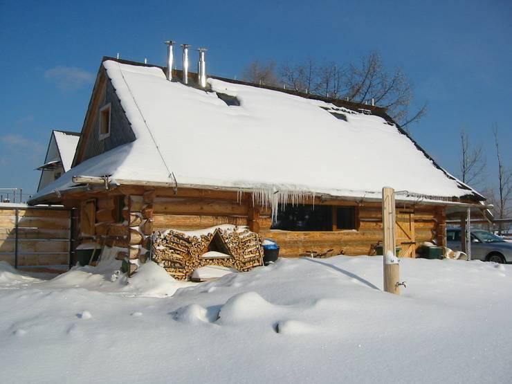 dom na Chełmie _ 1: styl , w kategorii  zaprojektowany przez PRACOWNIA ARCHITEKTONICZNA BARTLOMIEJ K. SITARSKI