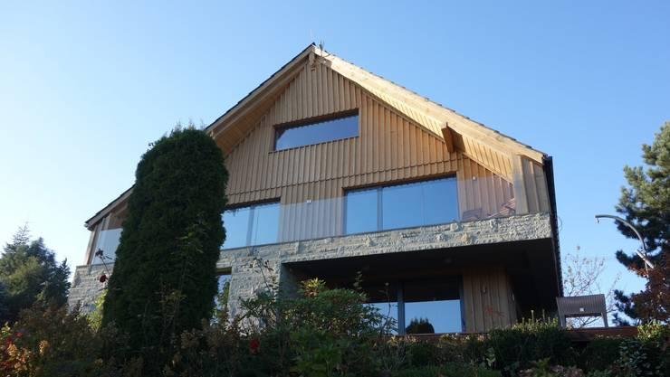 dom na Chełmie _ 2: styl , w kategorii  zaprojektowany przez PRACOWNIA ARCHITEKTONICZNA BARTLOMIEJ K. SITARSKI