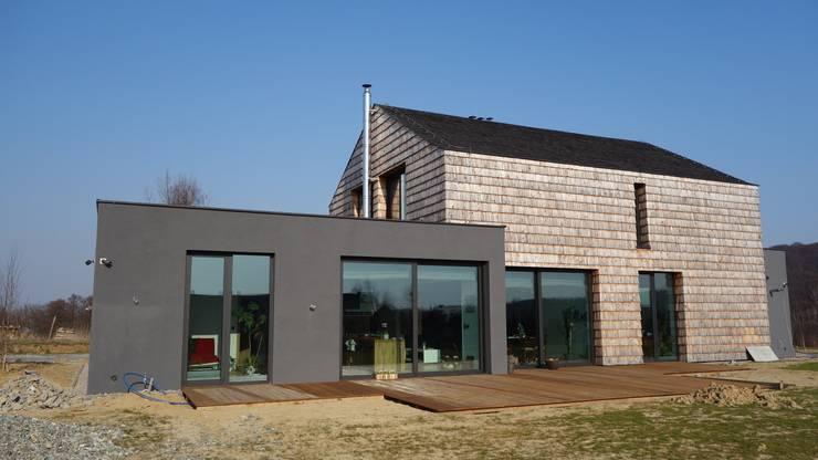 dom w Krakowie _5: styl , w kategorii  zaprojektowany przez PRACOWNIA ARCHITEKTONICZNA BARTLOMIEJ K. SITARSKI