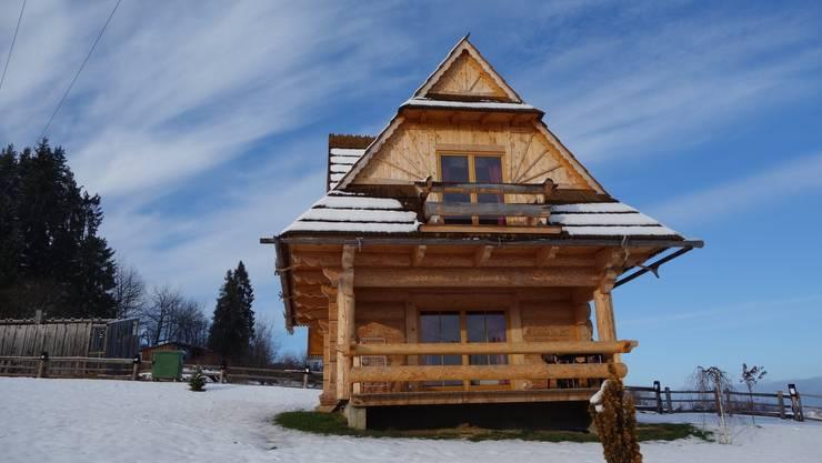 dom w Poroninie: styl , w kategorii  zaprojektowany przez DOMY GORALSKIE
