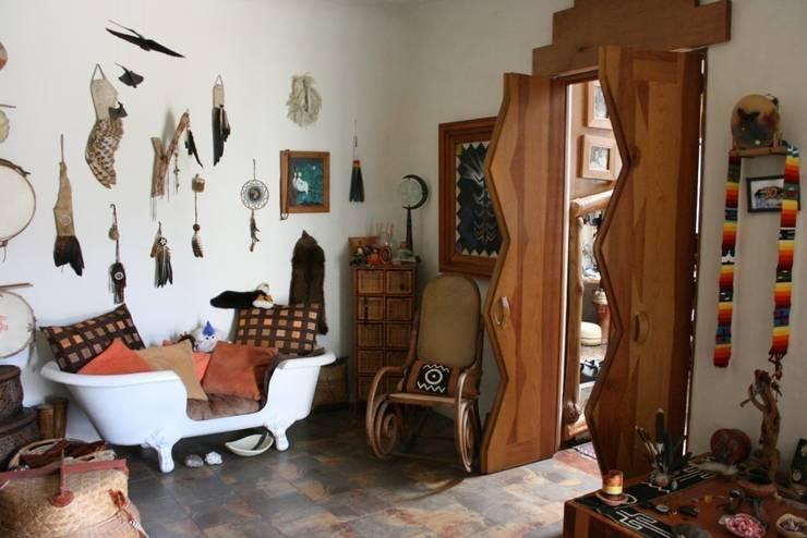 Dormitorios de estilo rústico por Cenquizqui