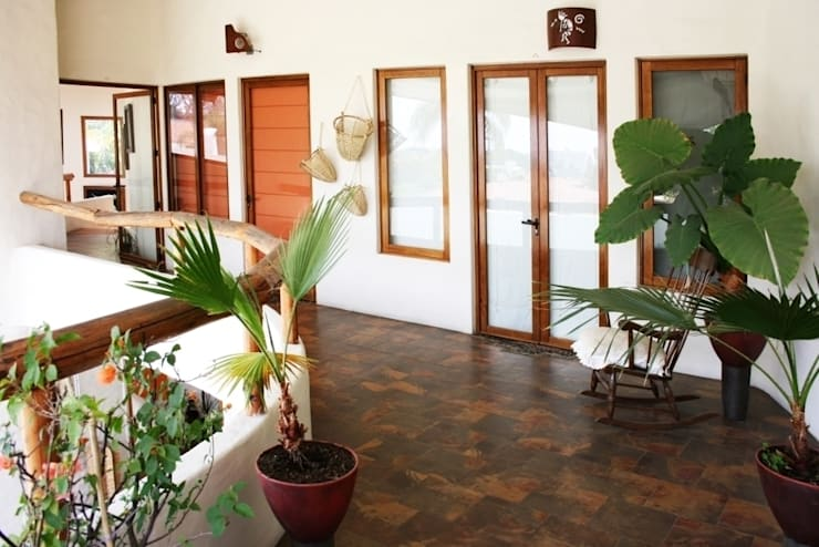 Pasillo Segundo Piso: Paisajismo de interiores de estilo  por Cenquizqui