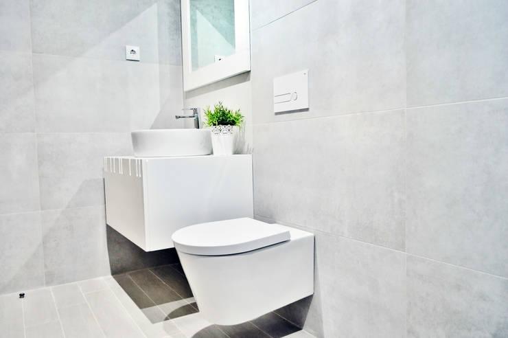 Estrela da Barra VIII: Casas de banho  por Imoproperty - Real Estate & Business Consulting
