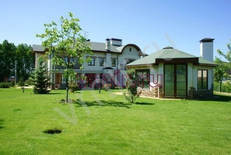 Загородный дом: Дома в . Автор – Архитектурно строительная  компания  Внутренний мир