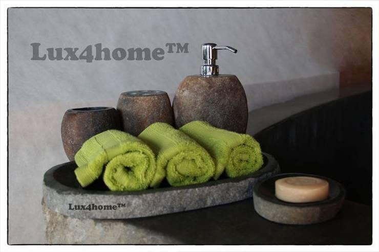 Zestaw łazienkowy na kosmetyki od Lux4home™: styl , w kategorii Łazienka zaprojektowany przez Lux4home™