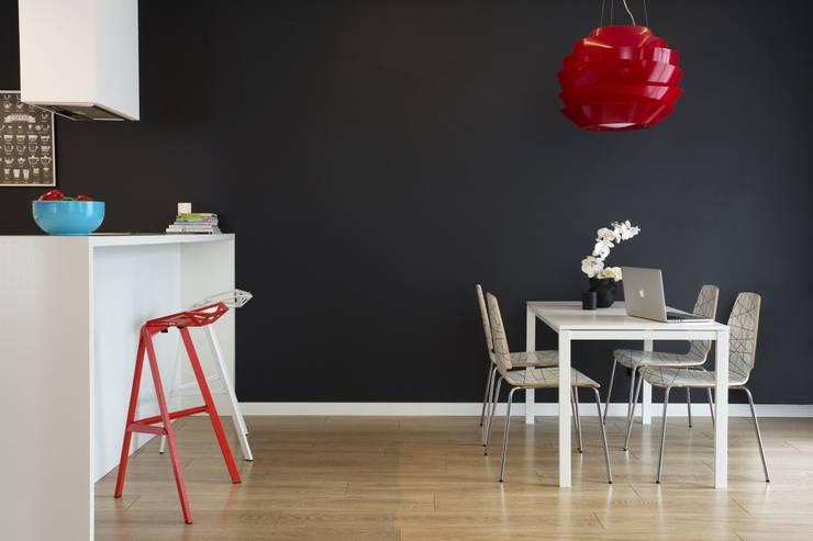 MIESZKANIE 75m2_WARSZAWA_ŻOLIBORZ: styl , w kategorii Jadalnia zaprojektowany przez I Home Studio Barbara Godawska