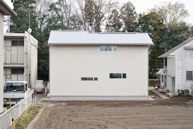 シンプル外観: アトリエdoor一級建築士事務所が手掛けた家です。,モダン