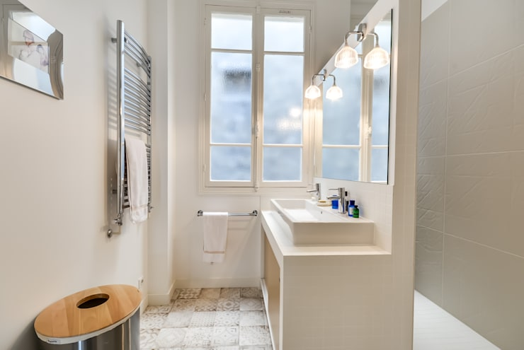 Salle de bain: Salle de bains de style  par ATELIER FB