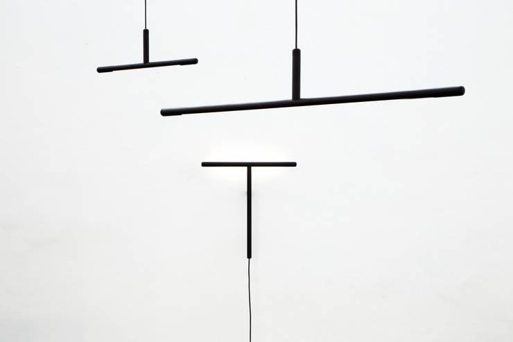 Inutile:  Woonkamer door Daphna Laurens