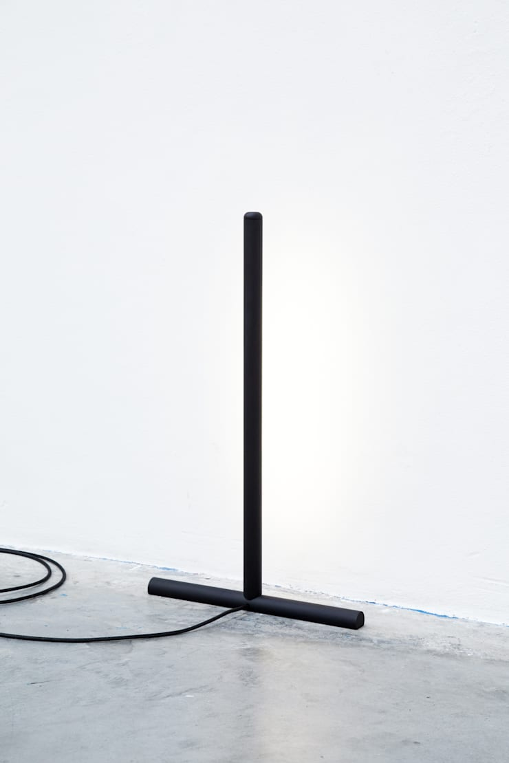 Inutile, floor light:   door Daphna Laurens, Minimalistisch