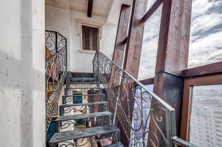 Corridor & hallway by Very'Wood