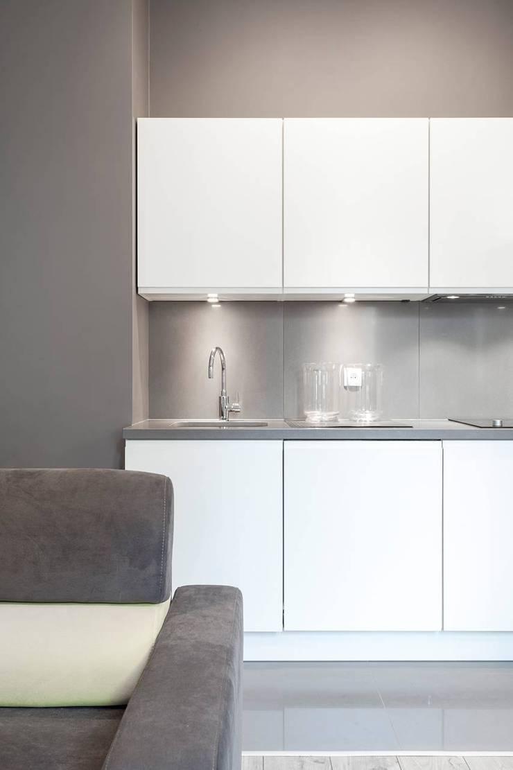 Aneks kuchenny: styl , w kategorii Kuchnia zaprojektowany przez KODO projekty i realizacje wnętrz