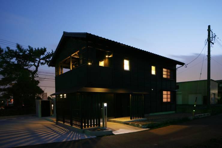 窓のあかり: 篠田 望デザイン一級建築士事務所が手掛けた家です。