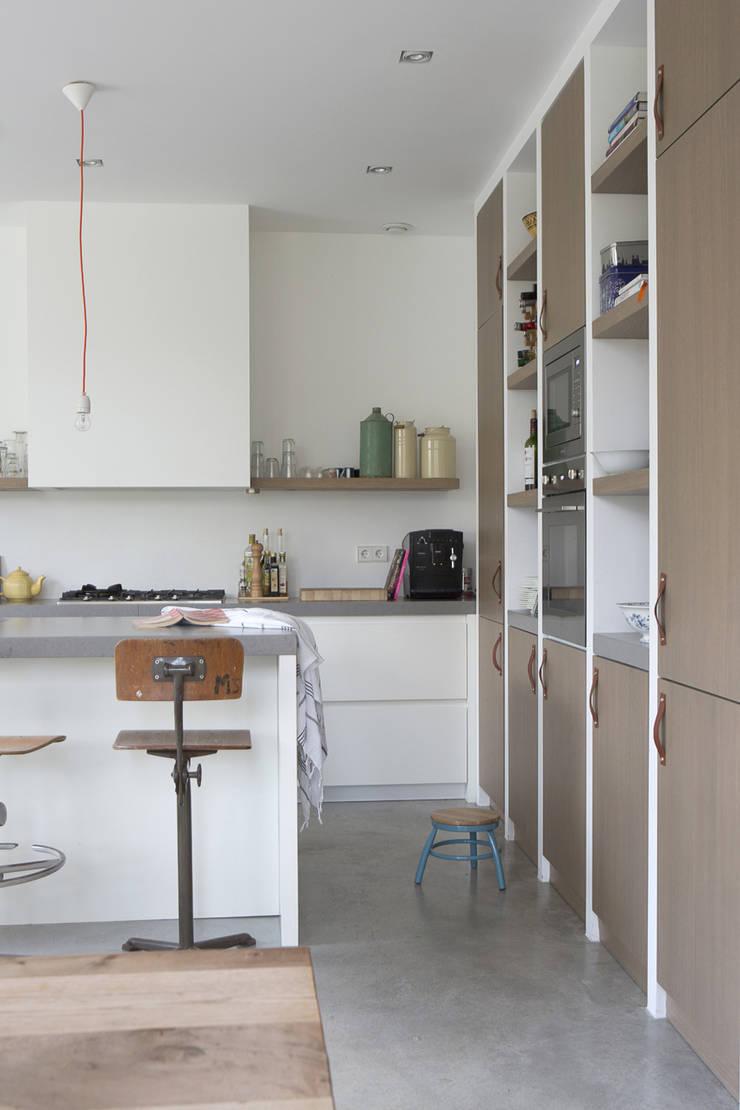 leefkeuken:  Keuken door Boks architectuur
