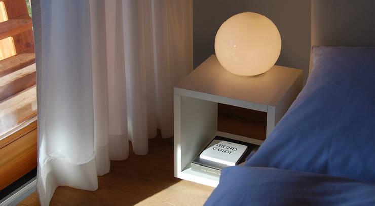 Спальни в . Автор – Regalraum GmbH, Кантри