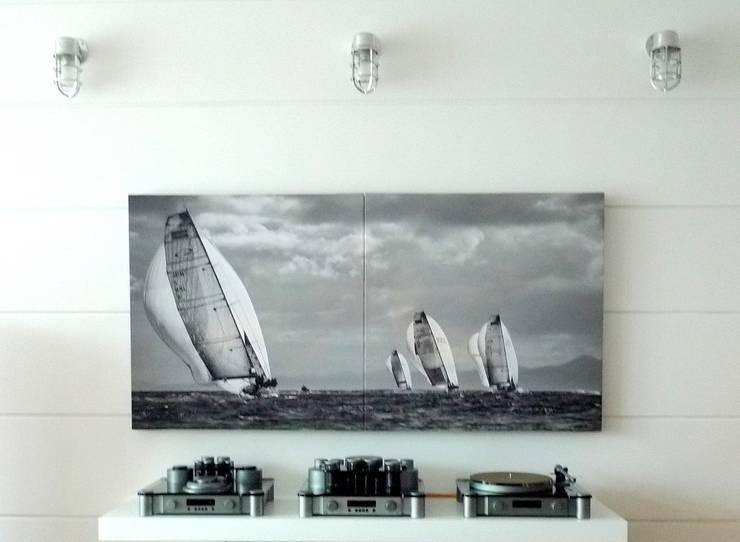 Apartament Waterlane Gdańsk: styl , w kategorii Pokój multimedialny zaprojektowany przez Ostańska design,