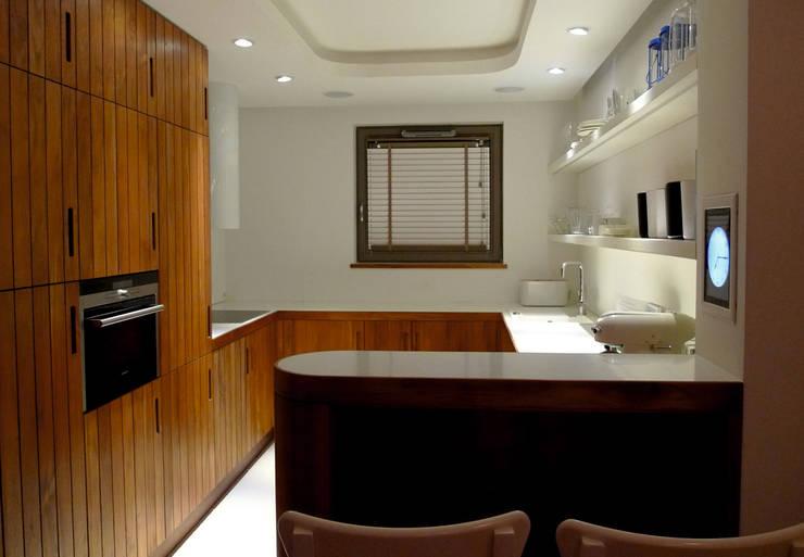 Apartament Waterlane Gdańsk: styl , w kategorii Kuchnia zaprojektowany przez Ostańska design,