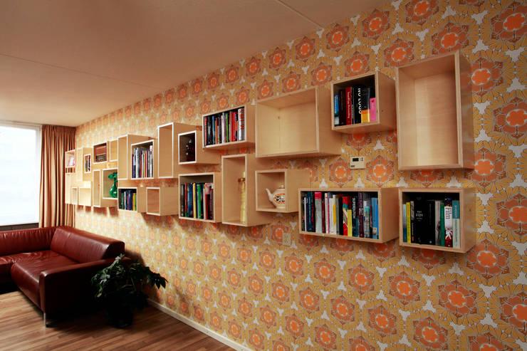 Wandkast Mick:  Woonkamer door Marlies van Geenen, Meubelwerkplaats