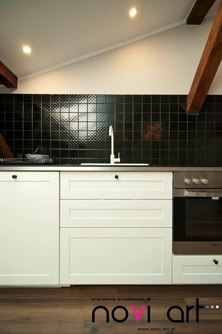 K12 apartament Kraków: styl , w kategorii Kuchnia zaprojektowany przez Novi art