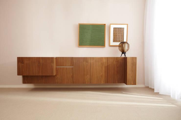 Dressoir: moderne Studeerkamer/kantoor door Marlies van Geenen, Meubelwerkplaats