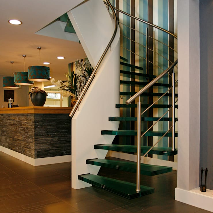 Corridor, hallway & stairs تنفيذ EeStairs | Stairs and balustrades