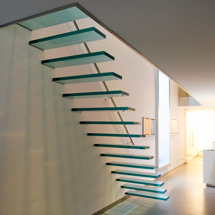 Floating Stairs Glass TRE474:   door EeStairs | Stairs and balustrades, Minimalistisch Glas