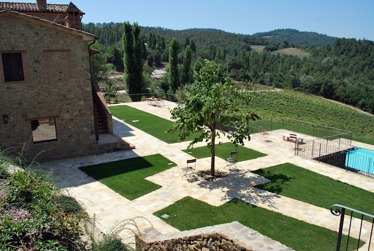 Jardines de estilo rural de Stefania Lorenzini garden designer