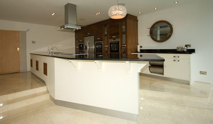 Kitchens made in Harrogate by Inglish Design:  Kitchen by INGLISH DESIGN
