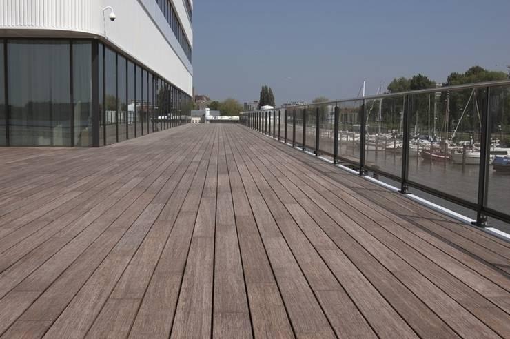 MOSO bamboo x-treme terrasplanken:  Balkon, veranda & terras door MOSO International B.V.
