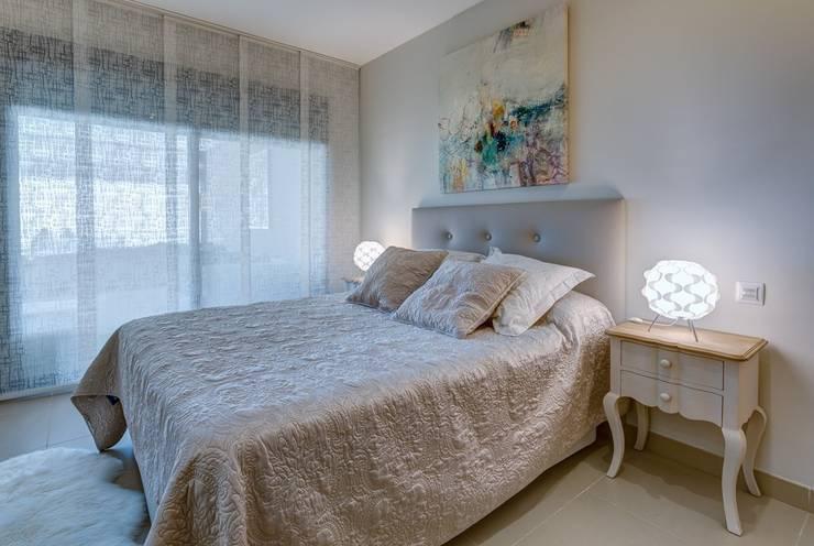 Perspectiva de Dormitorio: Dormitorios de estilo mediterráneo de CARMAN INTERIORISMO