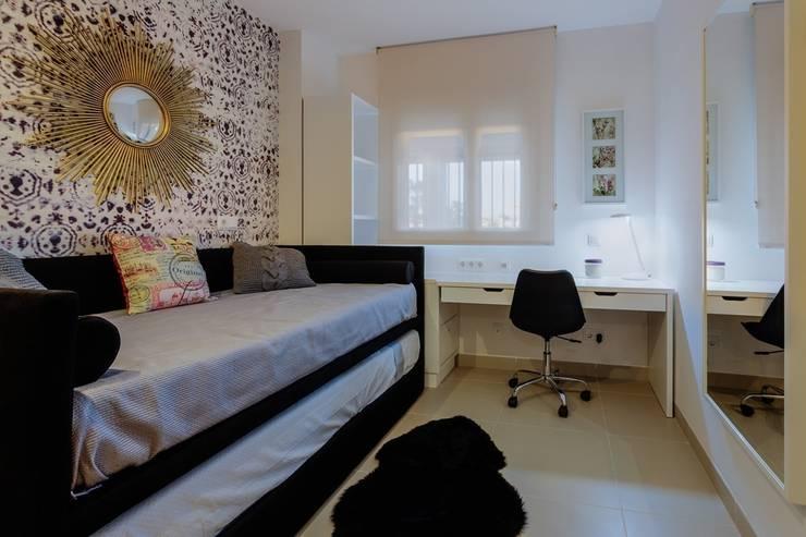 Perspectiva de Dormitorio Juvenil: Dormitorios de estilo  de CARMAN INTERIORISMO