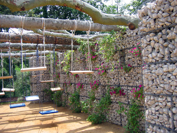 modern Garden by Stefania Lorenzini garden designer