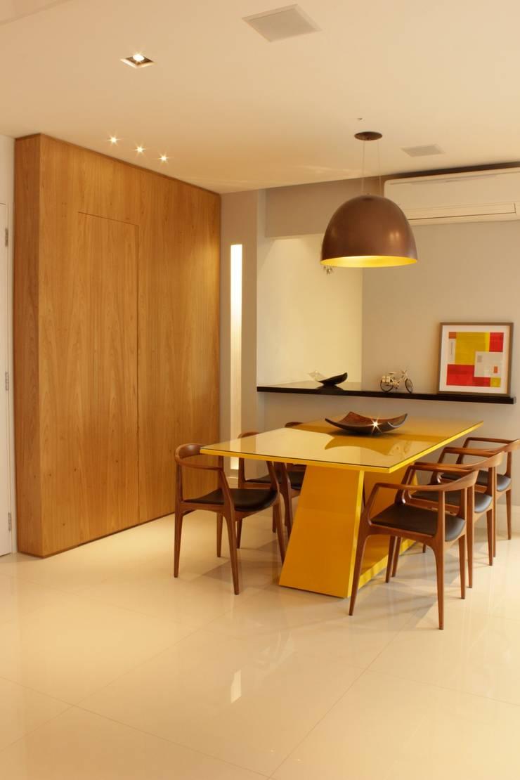 JANTAR: Salas de jantar modernas por ALME ARQUITETURA